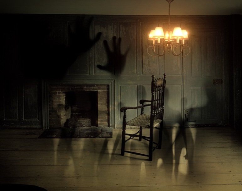 ghost_hands_old_chair